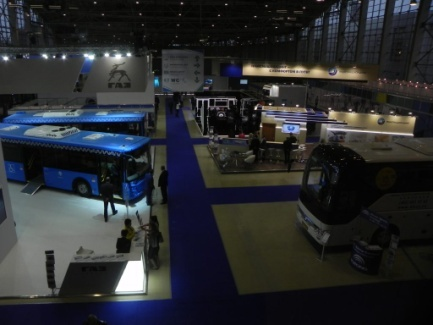 Вид сверху на выставку URBAN TRANSPORT