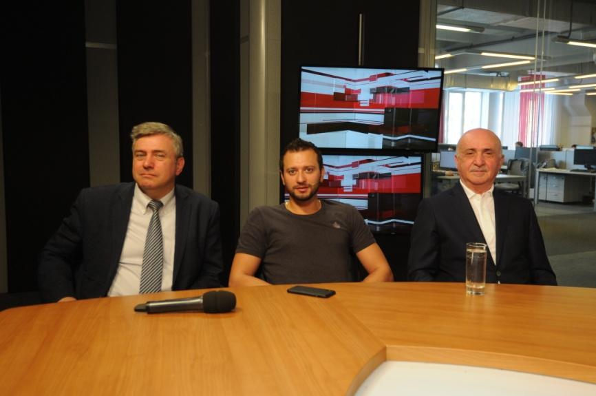 Блудян Норайр Оганесович с участниками круглого стола «Народные инспекторы. Стук колес»